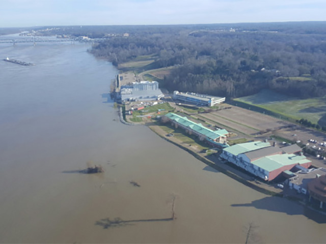 Mississippi's Strong River Current Causing Problems