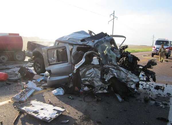 Update) Pickup-semi crash south of North Platte leaves three