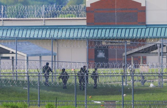 Officials say inmate stabbed Lincoln prison staffer