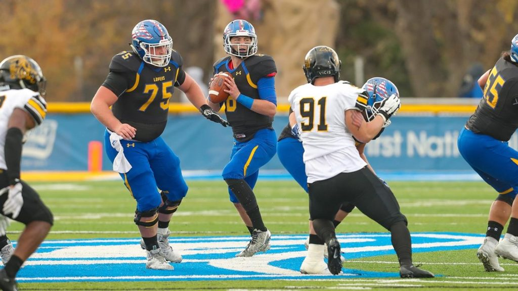 UNK Edged At Home By Griffons