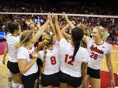 Husker Volleyball rallies from 0-2 hole against Illinois to return to National Championship