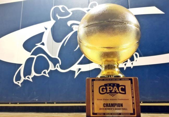 Bulldogs gut out road win, claim three-peat