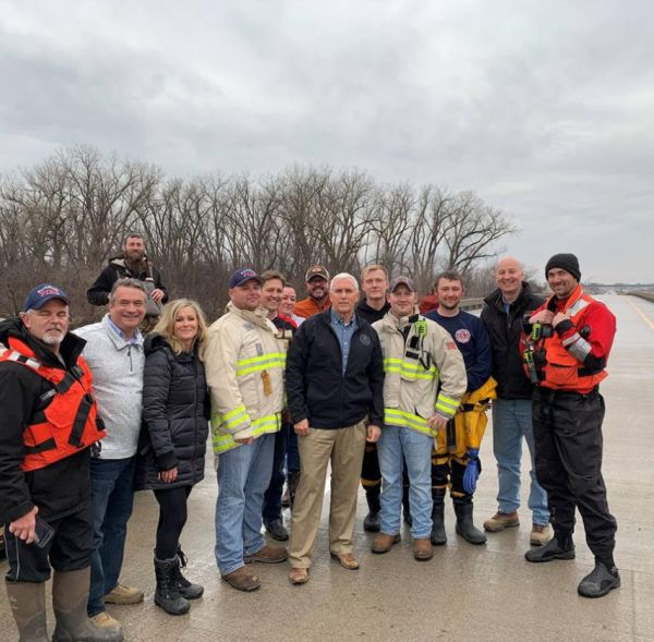 Gov. Ricketts Joins Vice President Pence to Assess Flood Damage, Thank First Responders