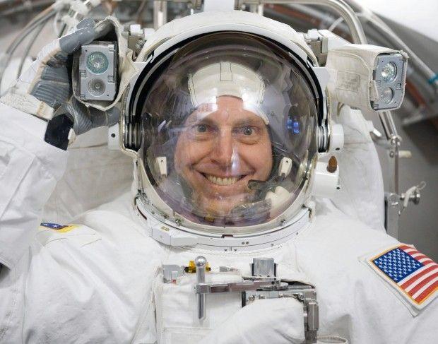 """Gov. Ricketts Hosts Retired Nebraska Astronaut Clayton Anderson on """"The Nebraska Way"""" Podcast"""