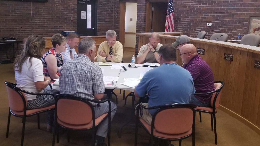 Gering officials seek to hold the line on user fees during budget process