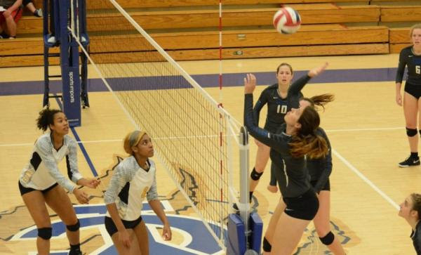 Volleyball: Molly Bich named to KCAC Preseason Team