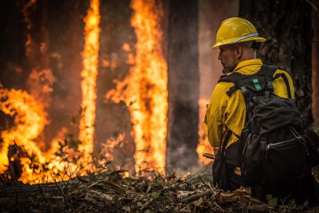 Fire near Wyoming reservoir grows; more firefighters arrive
