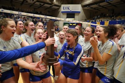 Loper Volleyball Begins Camp Monday
