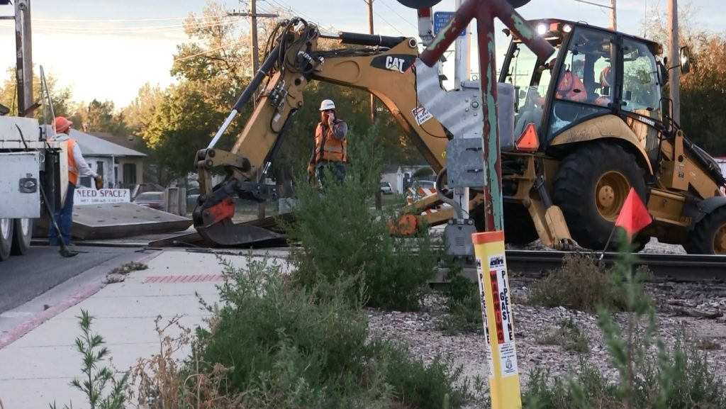 Broken Rail Causes Scottsbluff Avenue I Rail Crossing Emergency Repairs