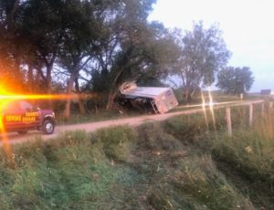 Semi crashes off I-80, minor injuries to driver and passenger