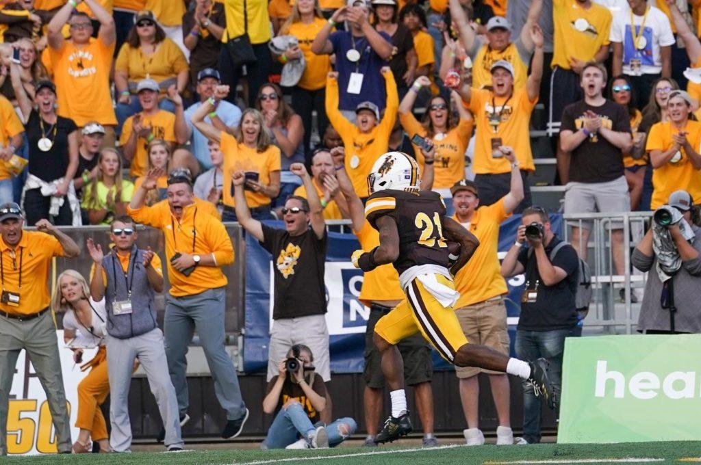 Wyoming captures 37-31 win over Missouri