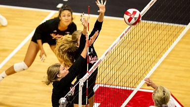 Huskers sweep Denver