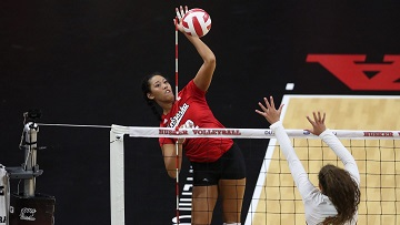 Huskers rally to beat Illini in five