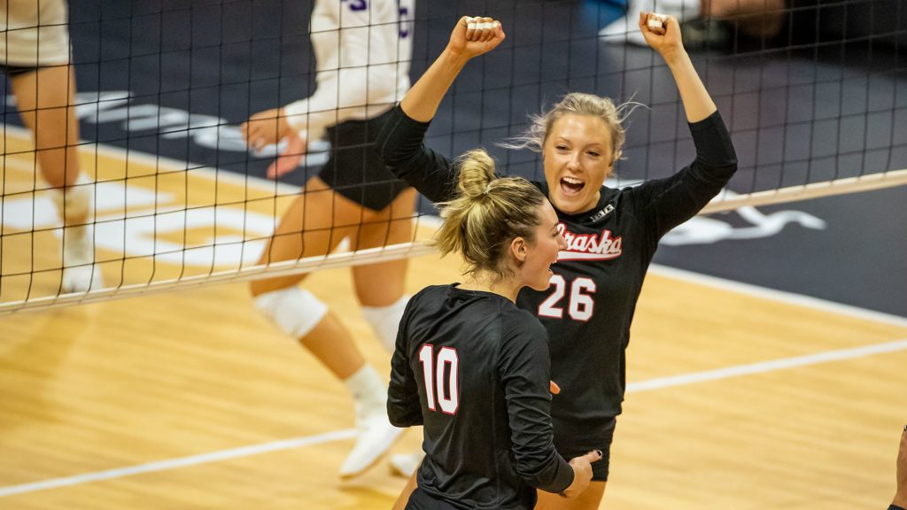 Huskers Sweep High Point