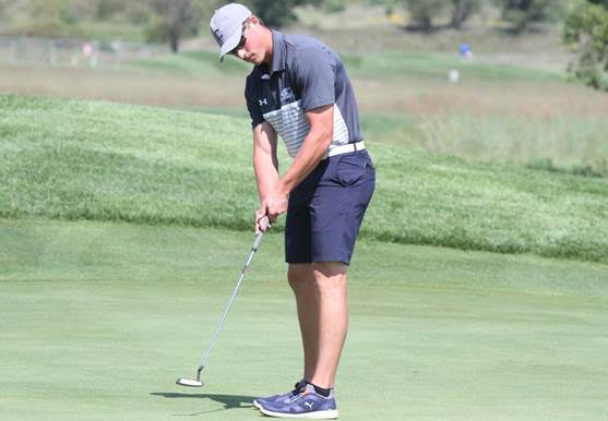 Samek, Dawgs climb two spots in second round of GPAC championships