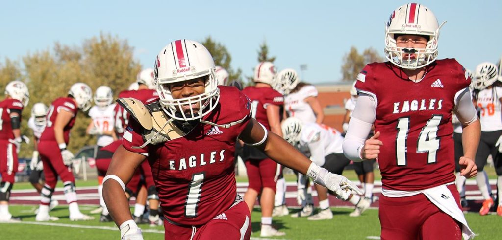 Eagles hold off Texas team for 43-21 win