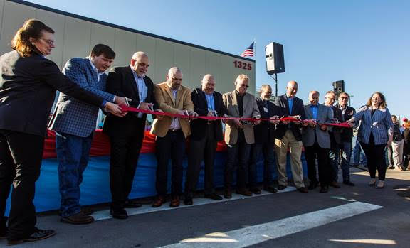 Gov. Ricketts Cuts Ribbon at Costco Poultry Plant
