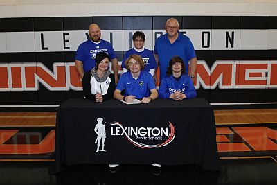 Carpenter Signs With Creighton