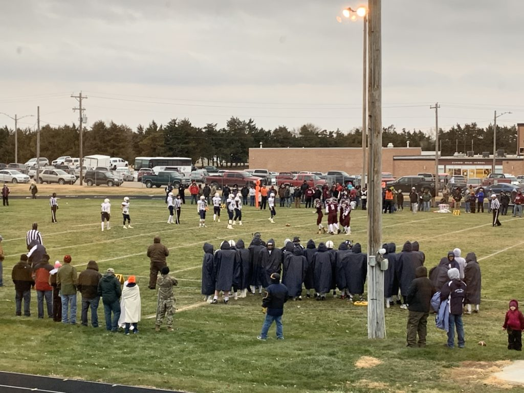 Elwood Falls to Undefeated Cougars in Final Pirate Football Contest