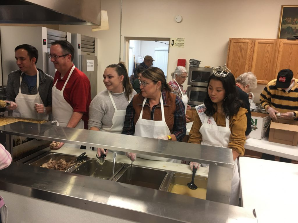 Hundreds Served in 36th Thanksgiving in the Valley
