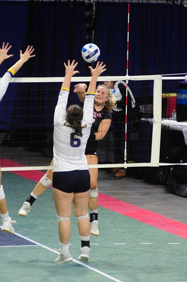 Northeast Volleyball ends year at National Tournament in West Virginia