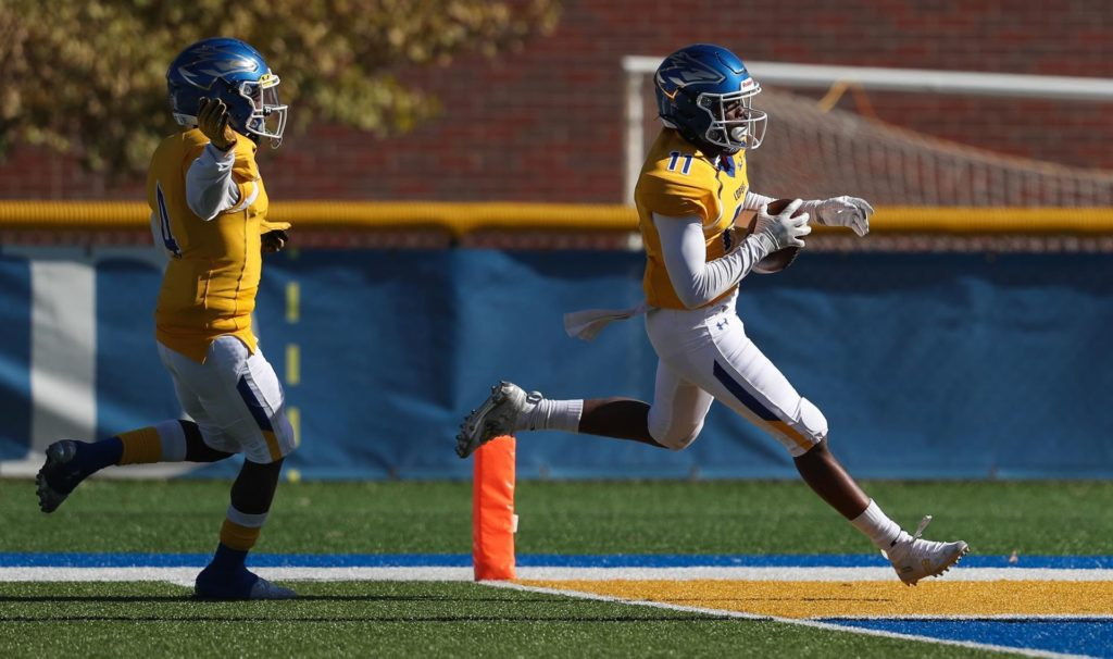 (Audio) Central Missouri Holds Off Lopers