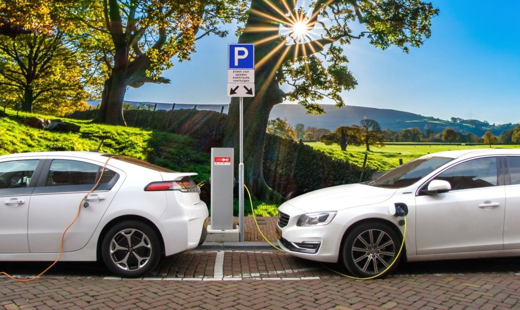 Shopping for an electric vehicle or rooftop solar? Public Powered calculators will help in that search