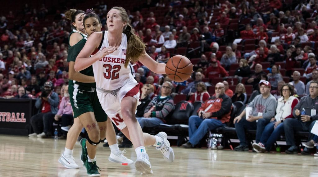 Huskers Cruise To Easy Win