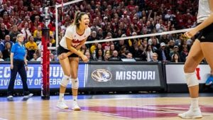 Huskers sweep Hawaii to advance to Regional Final against Wisconsin