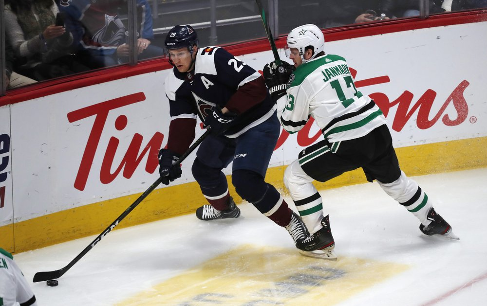 Lindell scores winner in OT, Stars rally to beat Avs 3-2