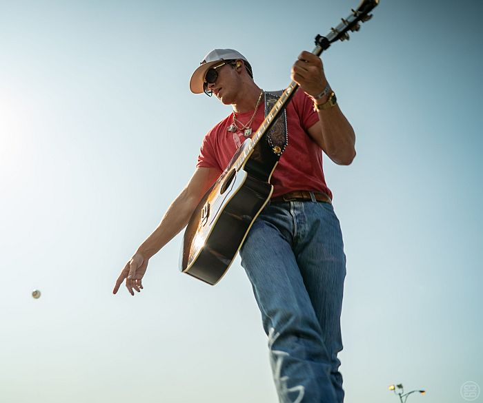 Parker McCollum with Randall King headlines Frontier County Fair!