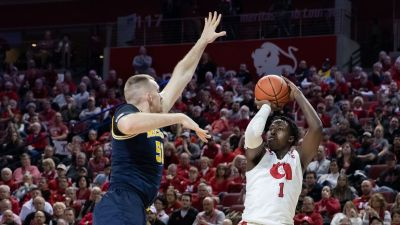 Wolverines Second-Half Surge Tops Huskers