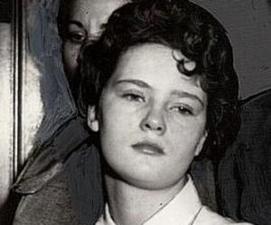Woman seeks pardon for role in string of killings in 1950s