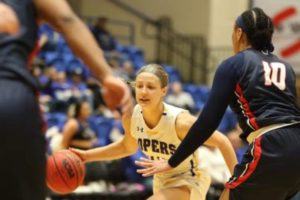Lopers Split Final Home Games Of Season
