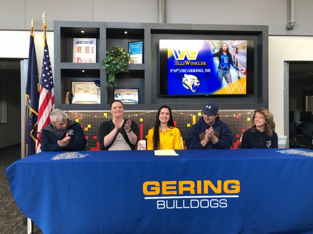 Gering's Winkler signs with WNCC volleyball