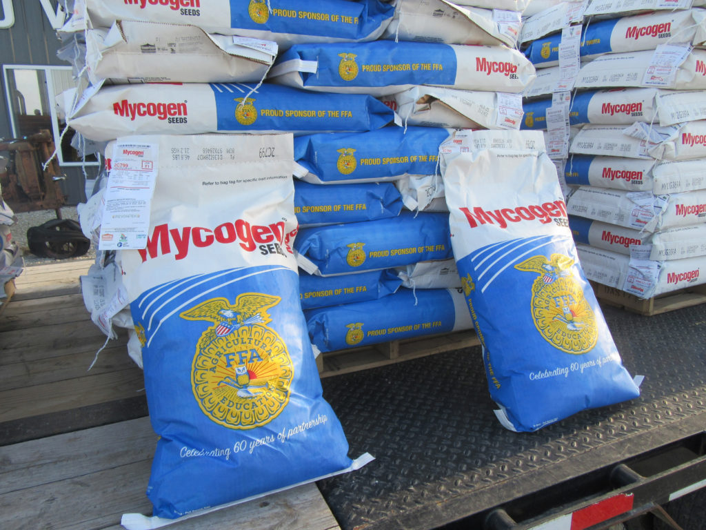 FFA Chapters Invited to Apply for Turn the Bag Blue & Gold Program
