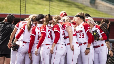 Husker Softball loses to Razorbacks