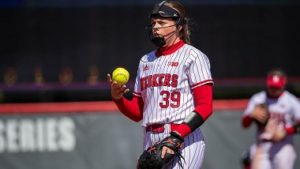 Huskers defeat Yellow Jackets