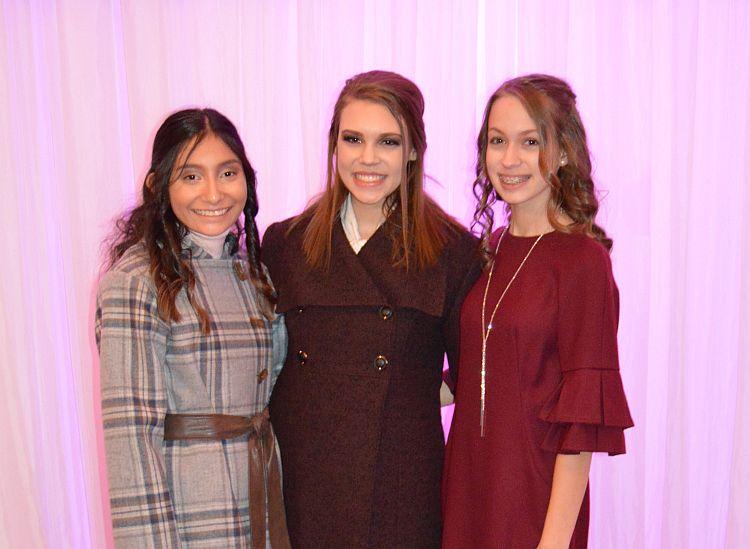 Karla, Saidi and Sydni Walk the Runway at Omaha Fashion Week – Student Night
