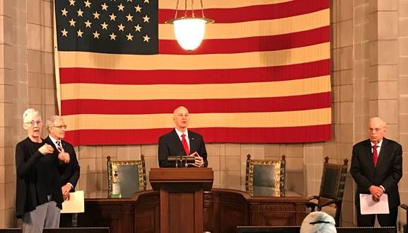 Gov. Ricketts Issues Executive Order Allowing Takeout for Mixed Drinks with Lids