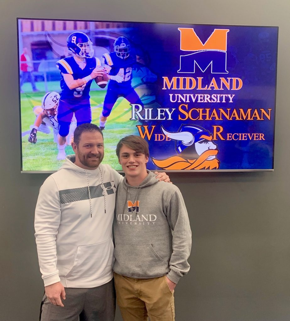 (Listen) Gering's Schanaman signs with Midland University football