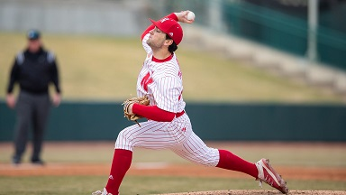 Huskers blank Bears in Pitcher's Duel