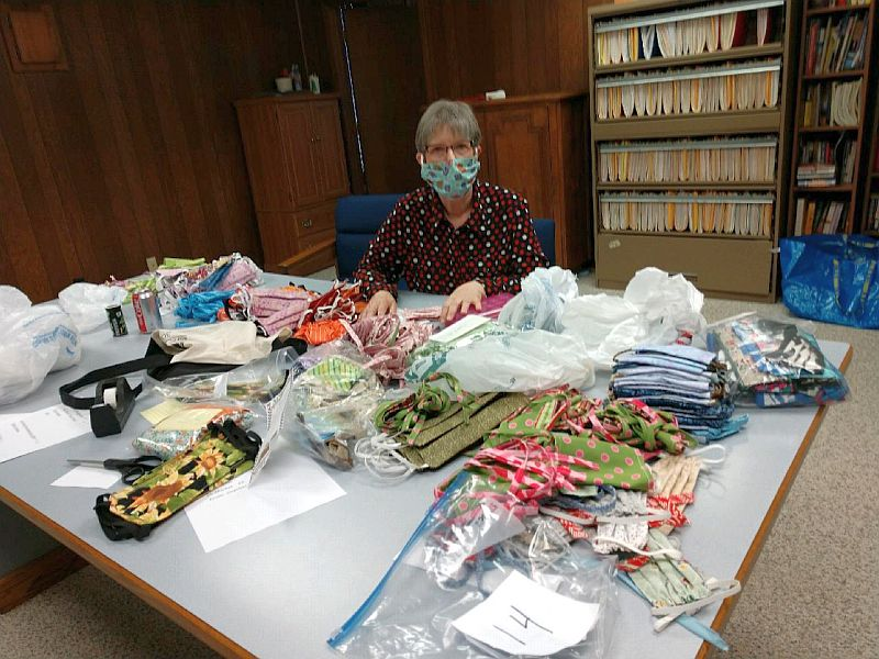 Plum Creek Quilters Guild Sews 1,015 Fabric Coverup Masks in 11 days