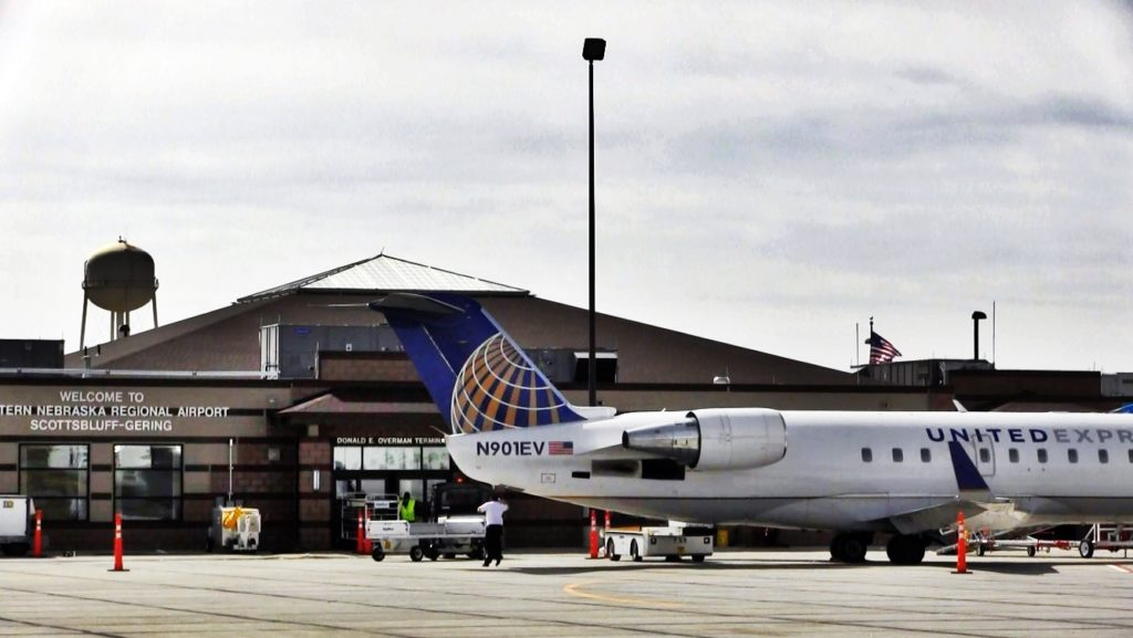 SkyWest/United Airlines Reduces Scheduled Flights At WNRA