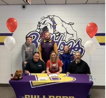 Bridgeport's Menke to wrestle in college