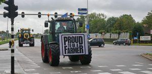 Dutch police arrest farmers protesting emission cuts