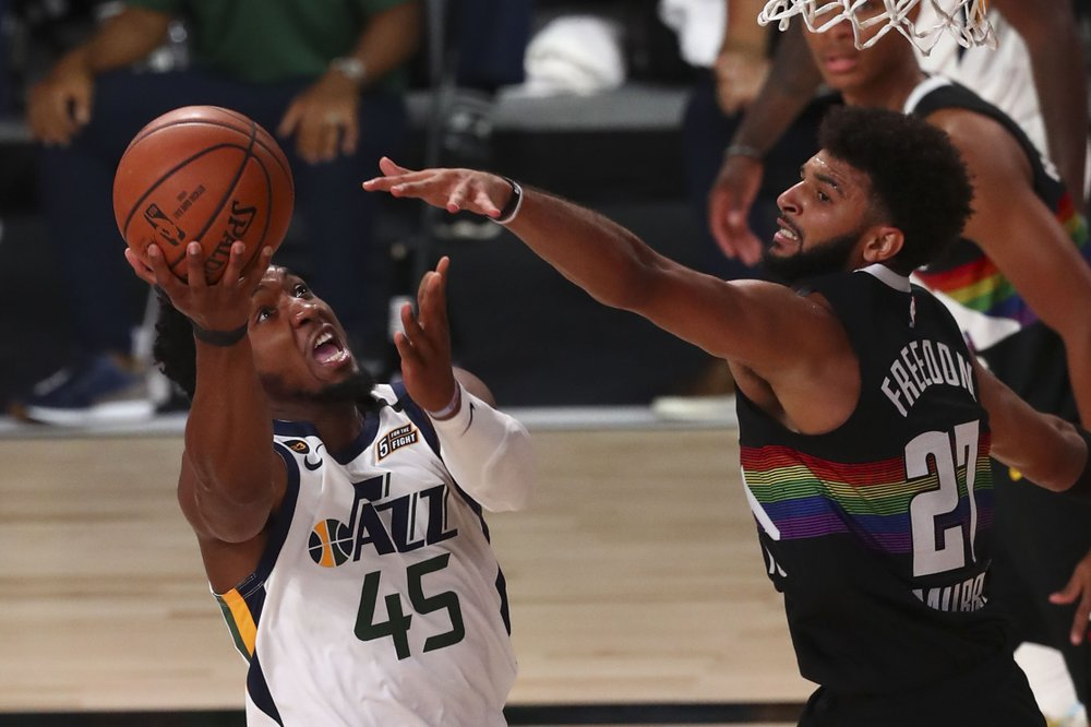 Jazz rout Nuggets in game two