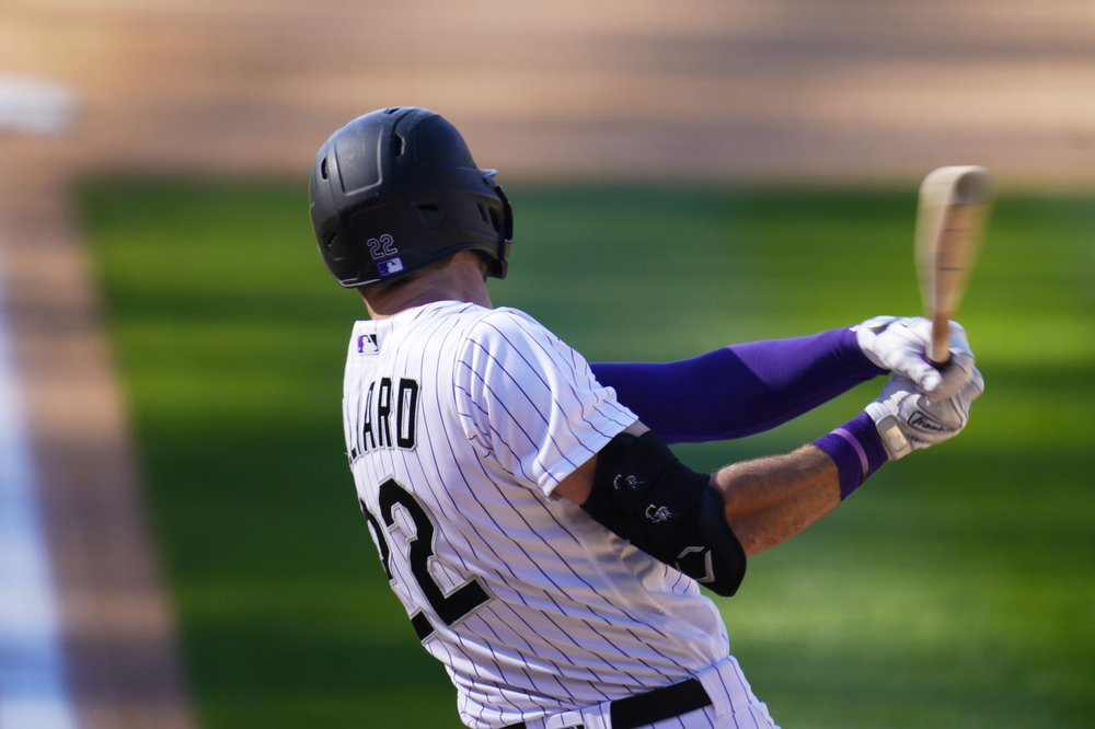 Hampson, Hilliard HR, Rockies bounce back, beat Giants 9-6