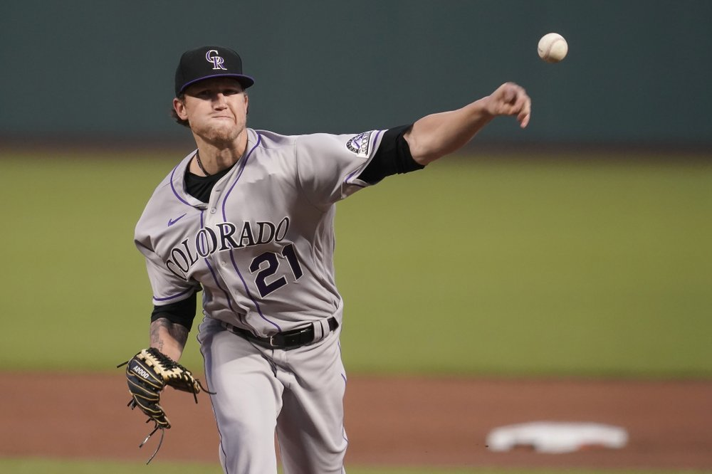 Rockies playoff hopes fading after loss to Giants