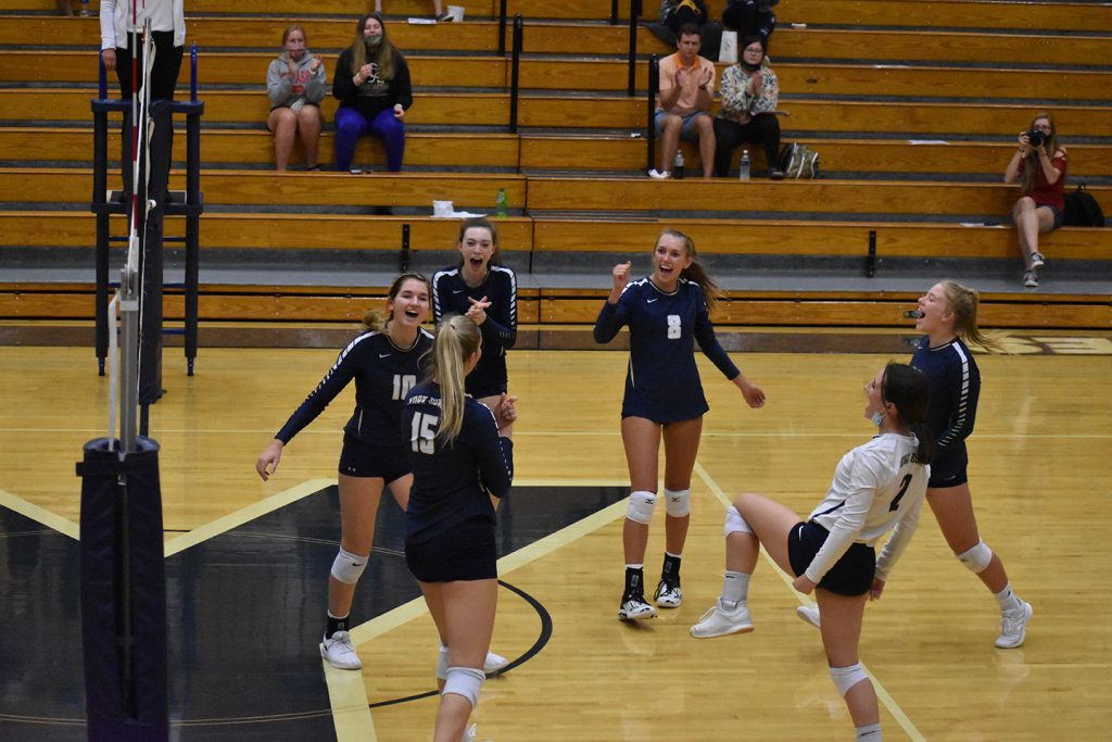 Dukes down the Dusters in three sets